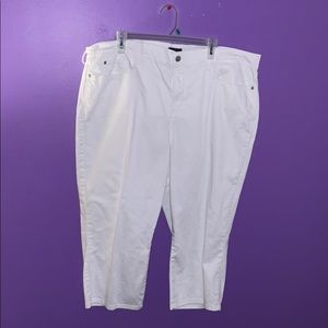 Pants - White Capri pants.